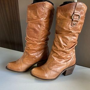 Steve Madden Leather Gammbble size 7 slouchy boots
